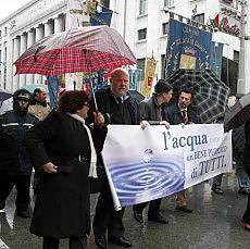 """Acqua, referendum nel 2011 Rodotà: """"E' un bene comune"""""""