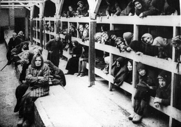 Auschwitz: i ferri di Clauberg, il ginecologo mostro