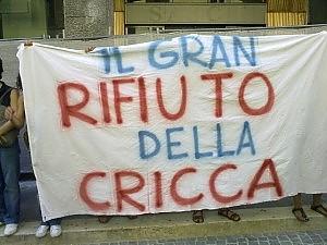 """L'Aquila, tafferugli alla """"Perdonanza"""" """"Letta vattene, Cialente vergogna"""""""