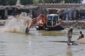 Pakistan: Onu, almeno 10 milioni di profughi Da Croce rossa e Agire raccolta fondi via sms