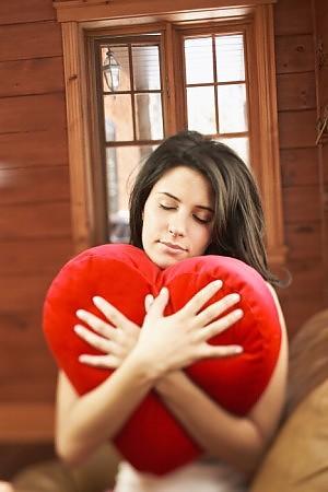 """L'amore è un vero anti-dolorifico purché la """"cotta"""" sia al culmine"""
