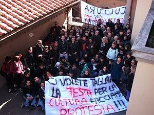 """Atenei, la rabbia degli studenti """"Tagli alle borse studio 2011"""""""