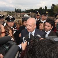 Pompei, la visita del ministro Bondi
