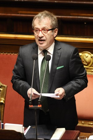 """Elezioni, pressing della Lega per il voto Bossi: """"Stiamo perdendo tempo.."""""""