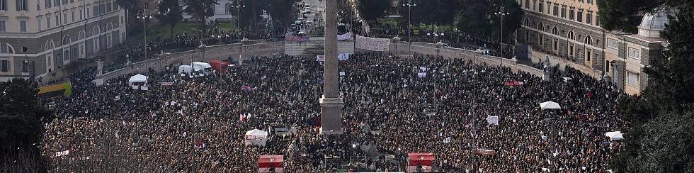 """Oltre un milione  in piazza con le donne   -   Interventi   -  Foto    Il silenzio, poi l'urlo : """"Se non ora, quando?""""  -   Ascolta"""