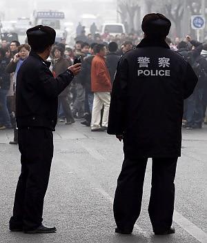 """Pechino, protesta tra web e gelsomini Soffocate le prove di rivolta """"tunisina"""""""
