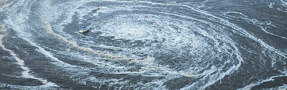 Lo tsunami devasta il Giappone   Foto   /  Video   Travolta nave con 100 a bordo /   Diretta tv 1    -2