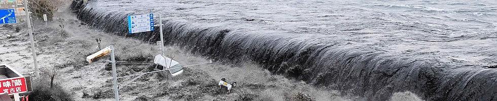 """Giappone, """"diecimila morti solo a Miyagi"""" -   foto    Nucleare, superati limiti.   Video L'onda dello tsunami   -   tv"""