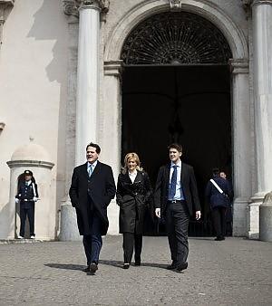 """Romano ministro dell'Agricoltura Napolitano: """"Chiarisca la sua posizione"""""""