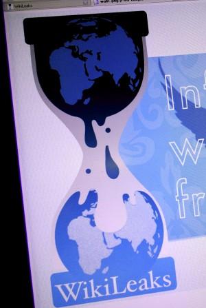 Wikileaks torna all'attacco  online un nuovo file criptato