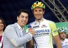 """Giro Padania, ancora proteste Basso: """"Presi a schiaffi"""""""