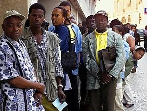 Undicimila tunisini a rischio clandestinità Scadono domani i permessi temporanei   di VLADIMIRO POLCHI