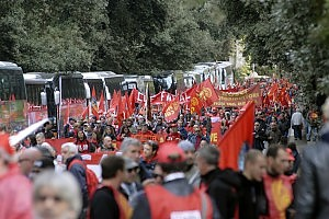 """Fiom in piazza, Roma ancora blindata Landini: """"Vogliamo cambiare questo Paese"""""""