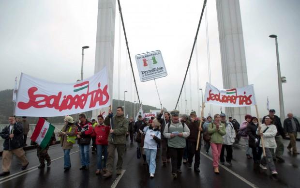 Ungheria, migliaia in piazza contro il bavaglio