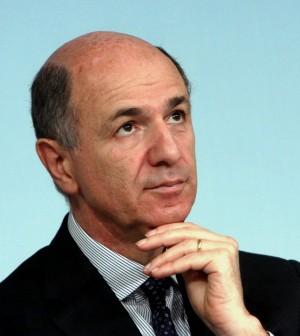 Corrado Passera, ministro industria
