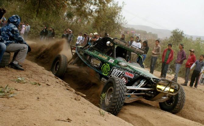 """I """"ragni"""" corrono alla Baja 1000 in Messico"""
