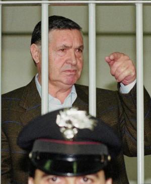 """Trattativa, l'anonimo è un carabiniere:  """"Le carte di Riina nascoste in caserma"""""""