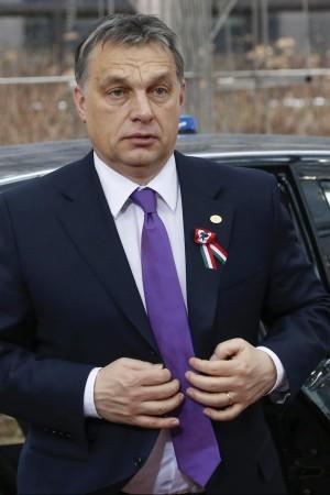 Orban decora tre razzisti antisemiti dall'Ungheria nuova sfida all'Europa