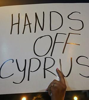 Cipro, fallisce l'accordo con la Russia. Piazza Affari rimbalza, deboli le Borse Ue