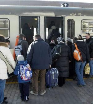 FS, sindacati confermano lo sciopero: il 12 aprile treni fermi per otto ore