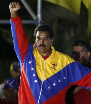 """Venezuela, Maduro eletto presidente col 50,66%. Capriles non ammette sconfitta: """"Riconteggio"""""""