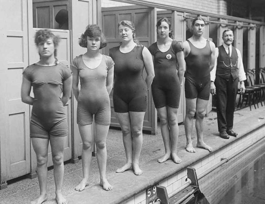 Molto prima del bikini: tutti al mare con le cabine da bagno