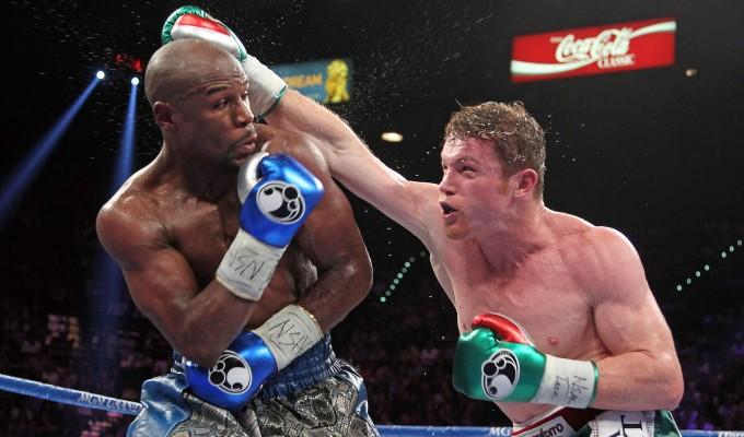 Boxe, Mayweather dà spettacolo. Lezione ad Alvarez