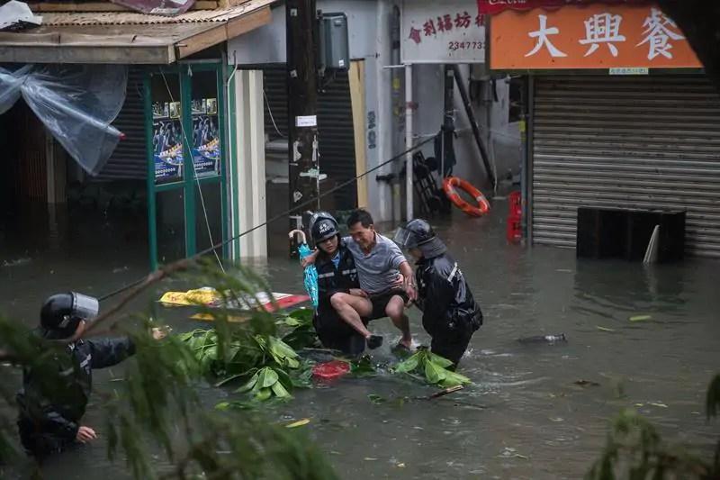Resultado de imagen para Tifón Mangkhut deja 59 muertos en Filipinas y llega a China