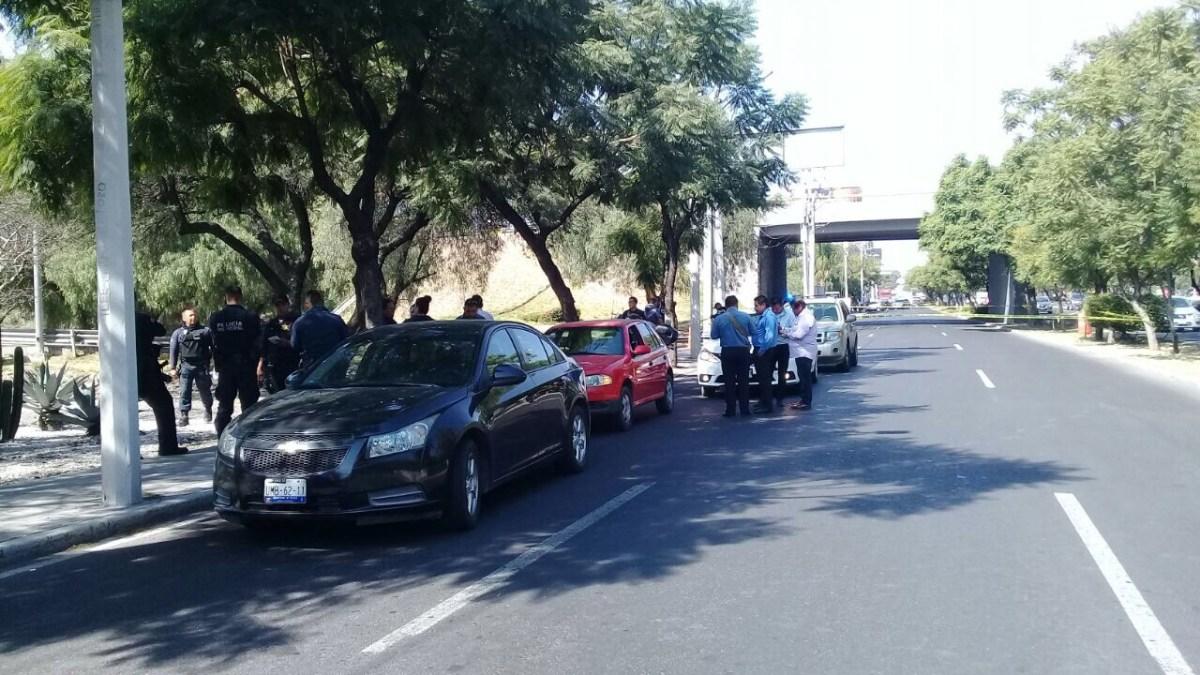 Asalto en Bernardo Quintana, terminó en balacera entre ladrones y policías