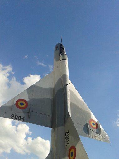 "MiG-21 ""2004"", monument la Fetesti"