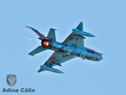 MiG-21 Lancer Campia Turzii acrobatie solo  Boboc 2015 pz4