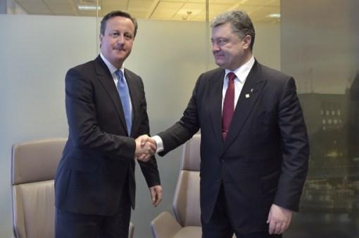 Cameron si Poroshenko (via AFP)