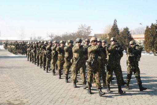 Defilarea militarilor Brigazii 6 Operatii Speciale Mihai Viteazul