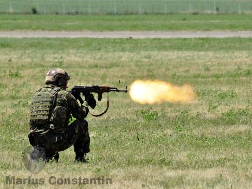 """Parasutist din Batalionul 630 Operatii Speciale """"Smaranda Braescu"""""""