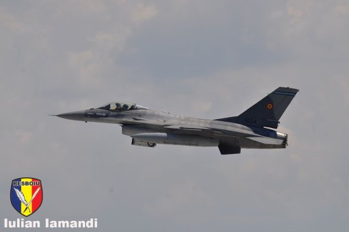 F-16AM 1604 in decolare, Baza Aeriana 86 Borcea