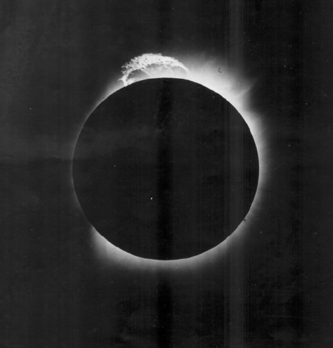 Figure 2. Solar prominence – Principe, 29 May 1919, 2 hours 13 minutes 28 seconds GMT, exposure 10 seconds (through cloud) (courtesy of the OAL).