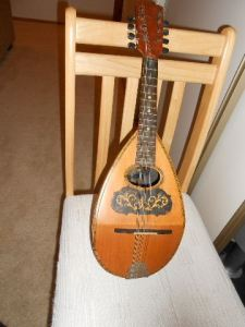 The beautiful mandolin that my grandma played