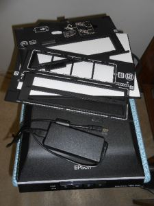 Everything included with the Epson Photo V550 Scanner