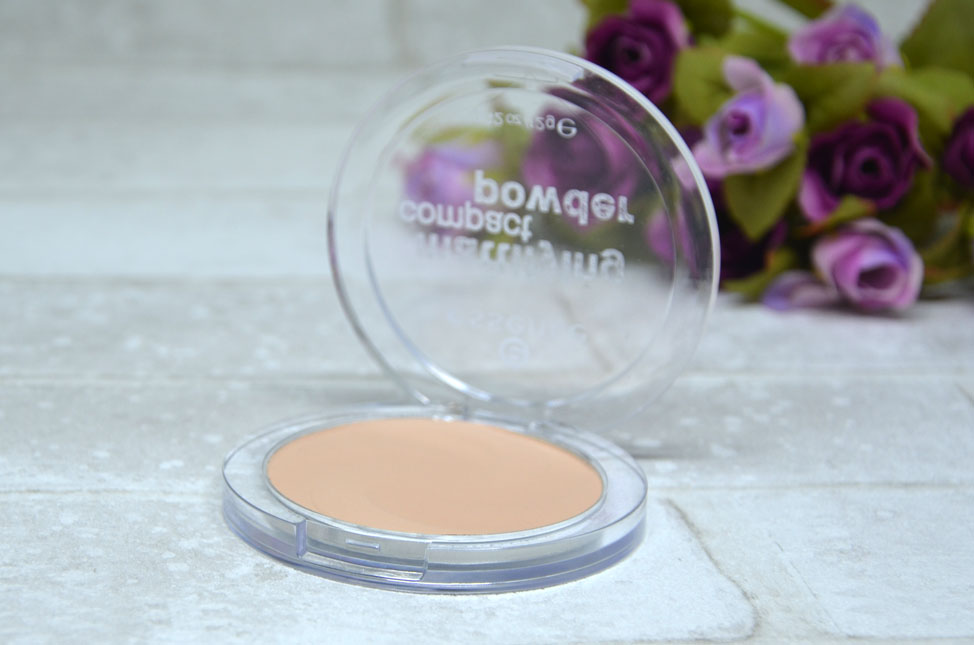 Mattifying Compact Powder da Essence