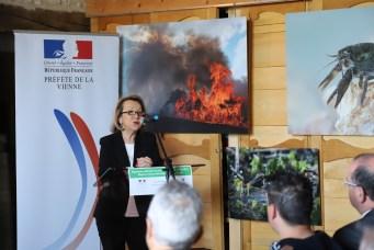 Discours de la préfète de la Vienne lors de la signature officielle du plan de gestion 2018-2027 RNN Pinail © M. Bramard