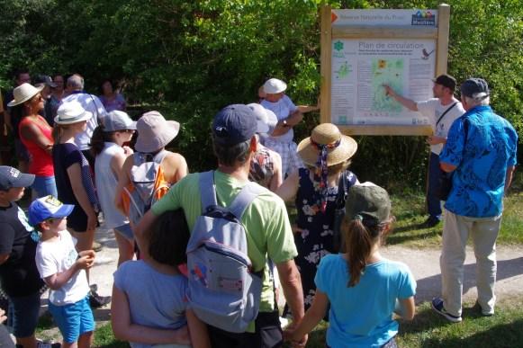 Départ d'une visite guidée de la Réserve du Pinail par GEREPI. Photo Kévin Lelarge
