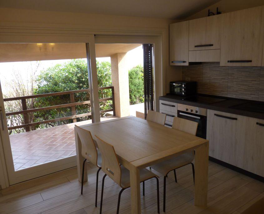 Cucina e Tavolo Appartamento
