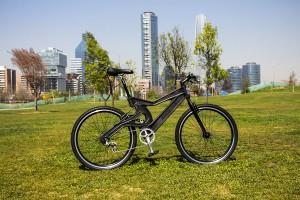 El marco de la bicicleta está fabricado de una sola pieza, sin soldaduras ni uniones