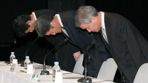 Privacy - Sony executives bow in apology post Playstation breach in 2011