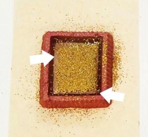 glitter pulling away from resin