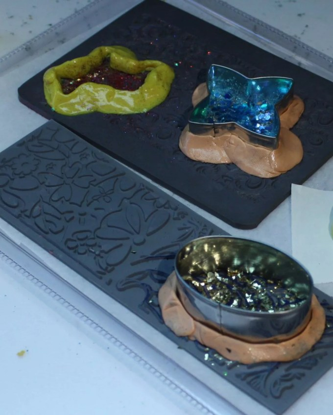glitter in resin molds