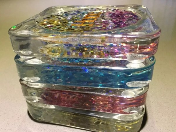 Resin coasters with glitter