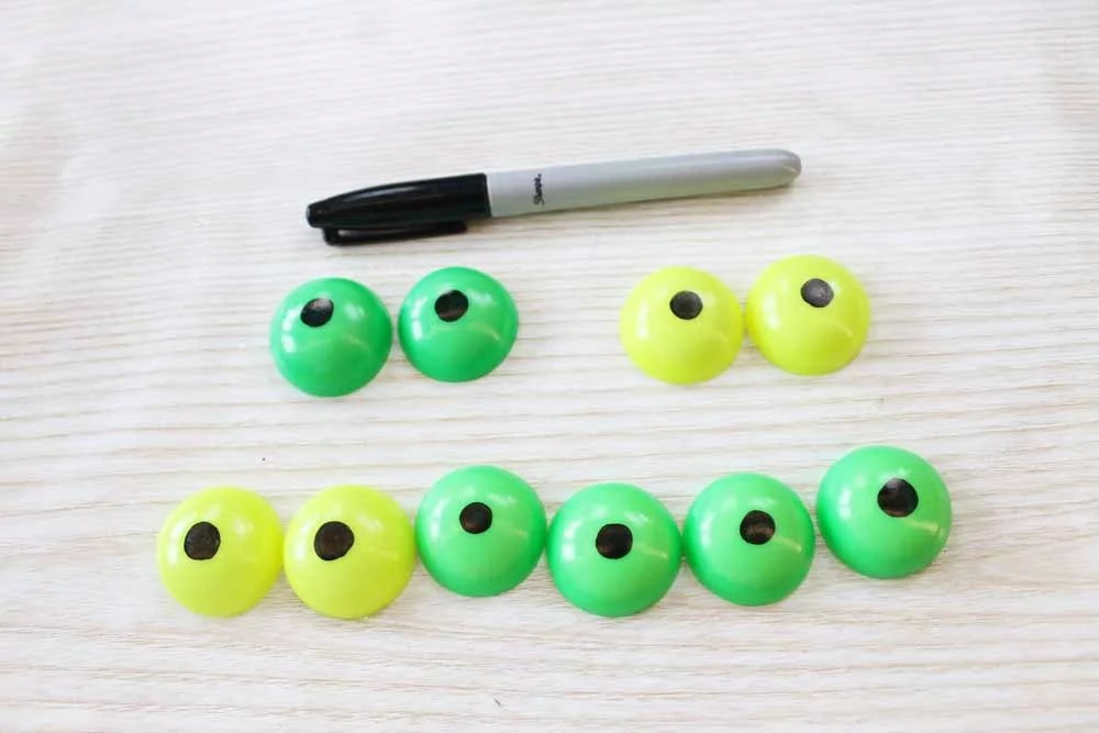 glow in the dark eyes made with resin