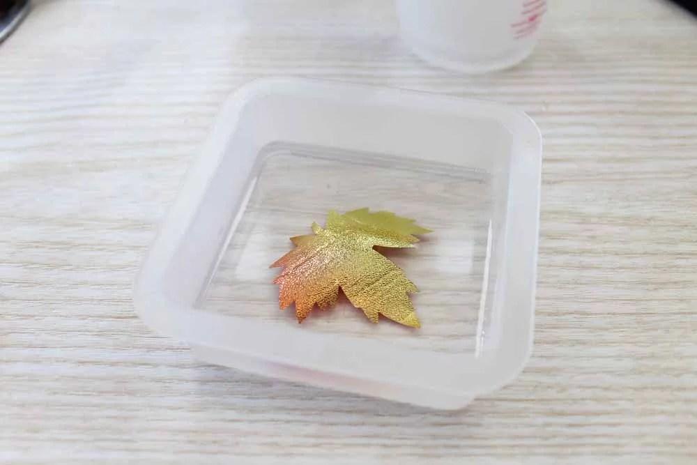 light up thanksgiving centerpiece making resin leaf detail