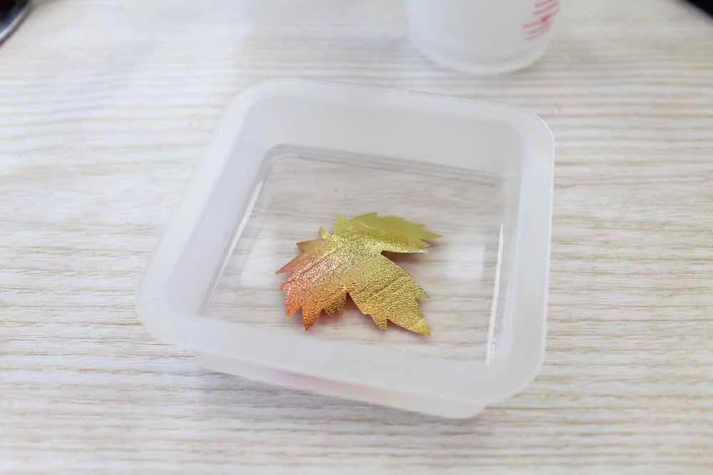 light up thanksgiving centerpiece making resin leaf detail